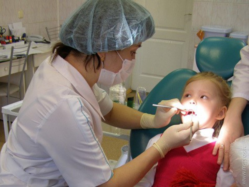 Как лечит зубы